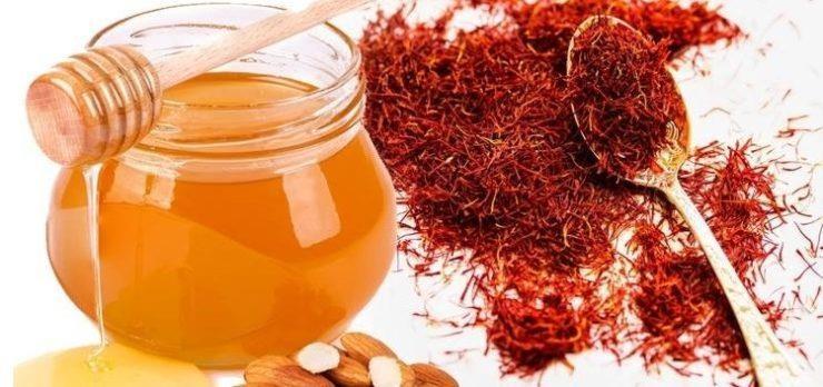 Cách sử dụng saffron với mật ong